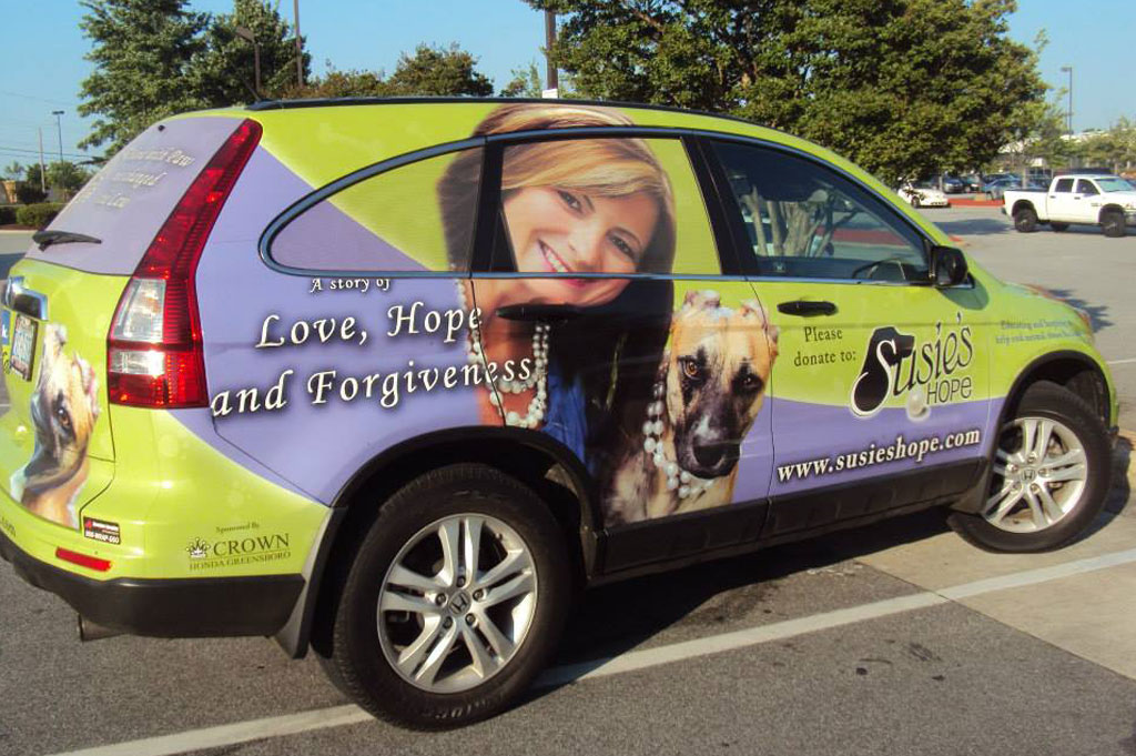 Donna Lawrence & Susie – A Partnership of Second Chances and Hope Wins HERO Dog Award