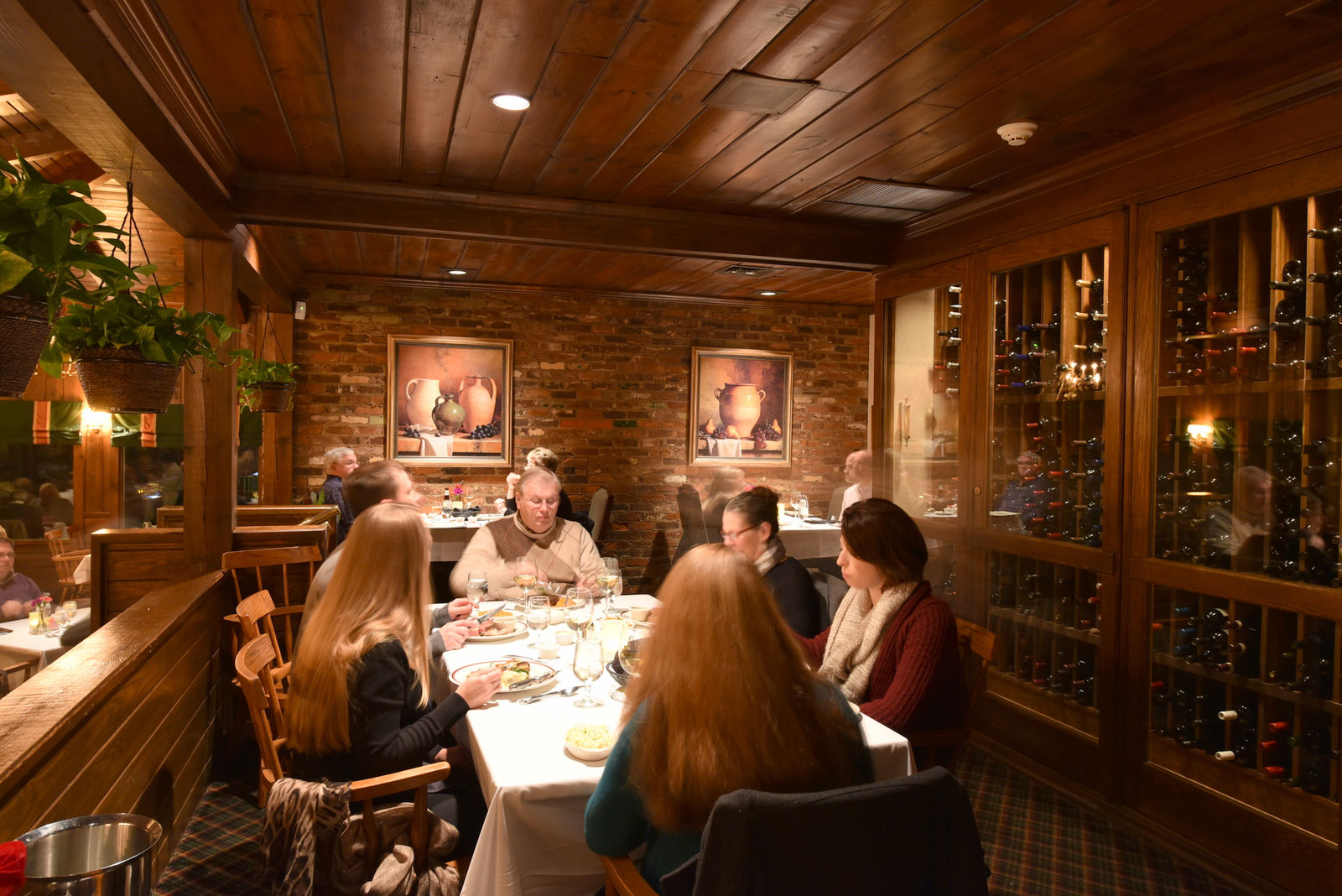Ryan S Restaurant A Dining Experience Not To Be Missed