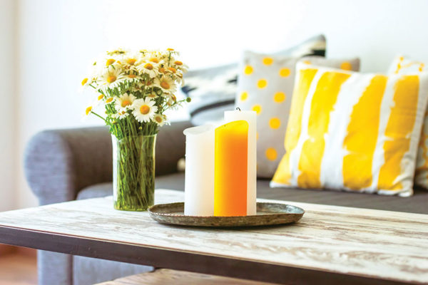 How to Style Your Coffee Table in 10 Easy Steps