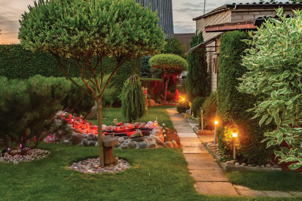 Constructing Outdoor Dreams: Beautifying the Exterior with Foliage