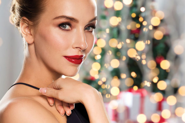 Get Glam and Glowing for the Holidays with Gorgeous Make-up!